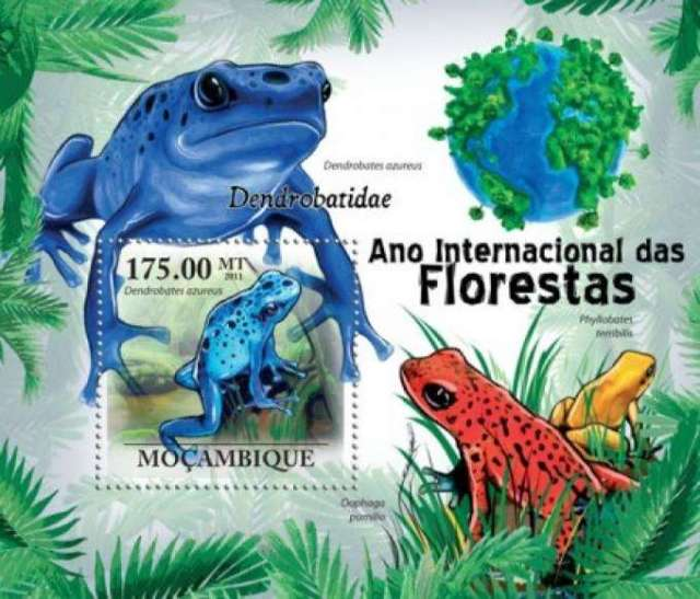 Mozambique 2011  frogs  Blue Poison Arrow Dart Frog  Strawberry Poison Dart Frog, and Golden Poison Frog - Michel catalog #4307   animals on stamps  wildlife stamps frogs on stamps  African stamps topical stamp collecting thematic stamp collection postage stamps from Africa  wildlife on postage stamps wild animals fauna stamps frogs from south america wildlife on postage stamps stamp collecting hobby